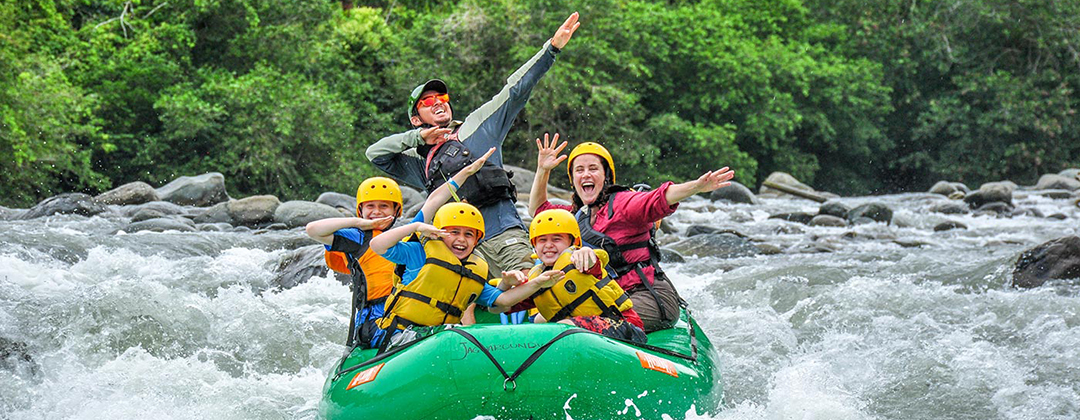 Whitewater Rafting the Sagevre River in Costa Rica