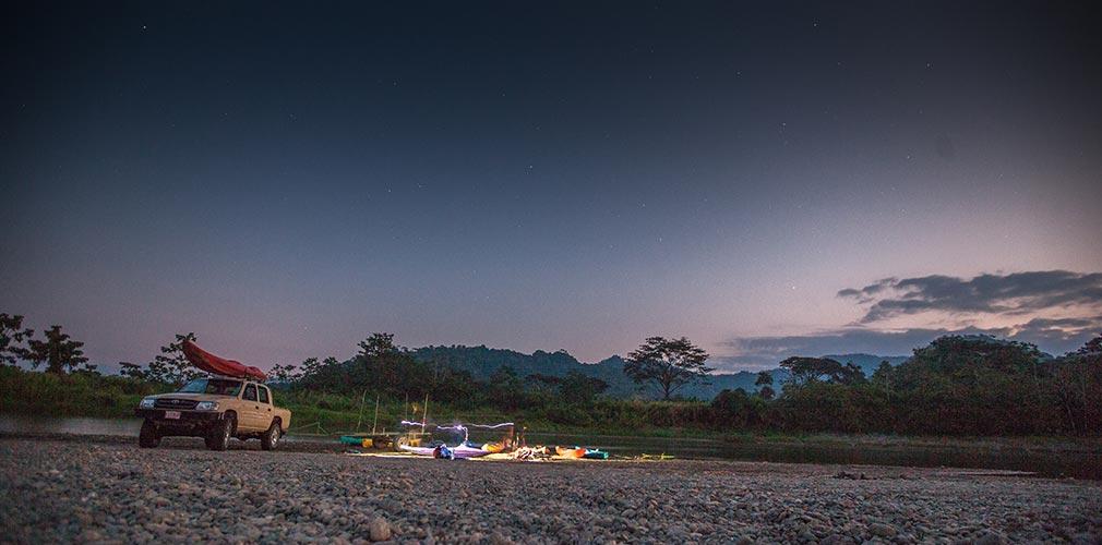 Dawn kayak trip Savegre River